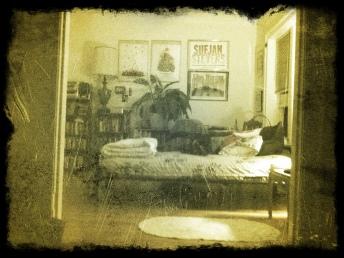 leland bedroom grunge filter