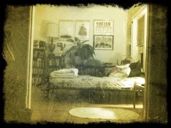 leland bedroom grunge filter