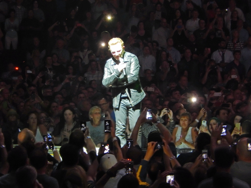 Bono in control in Chicago