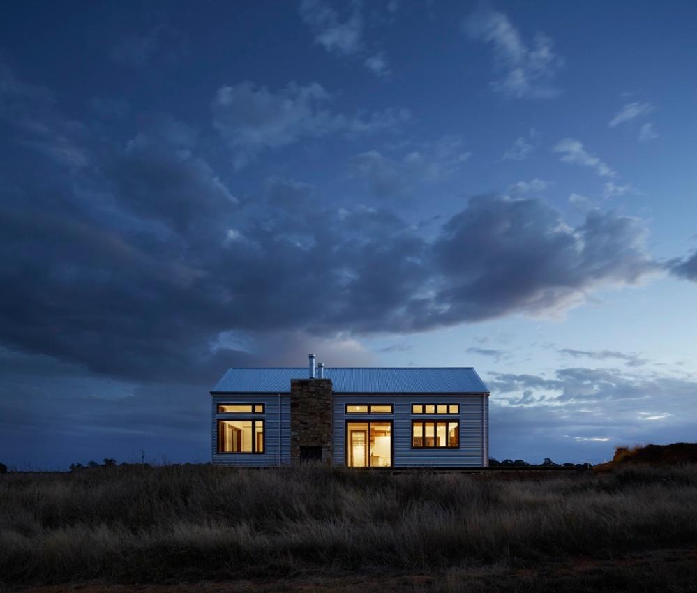 magic hour tiny house by inspiration de unsplash