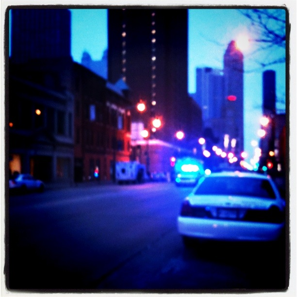 police cars on chicago avenue