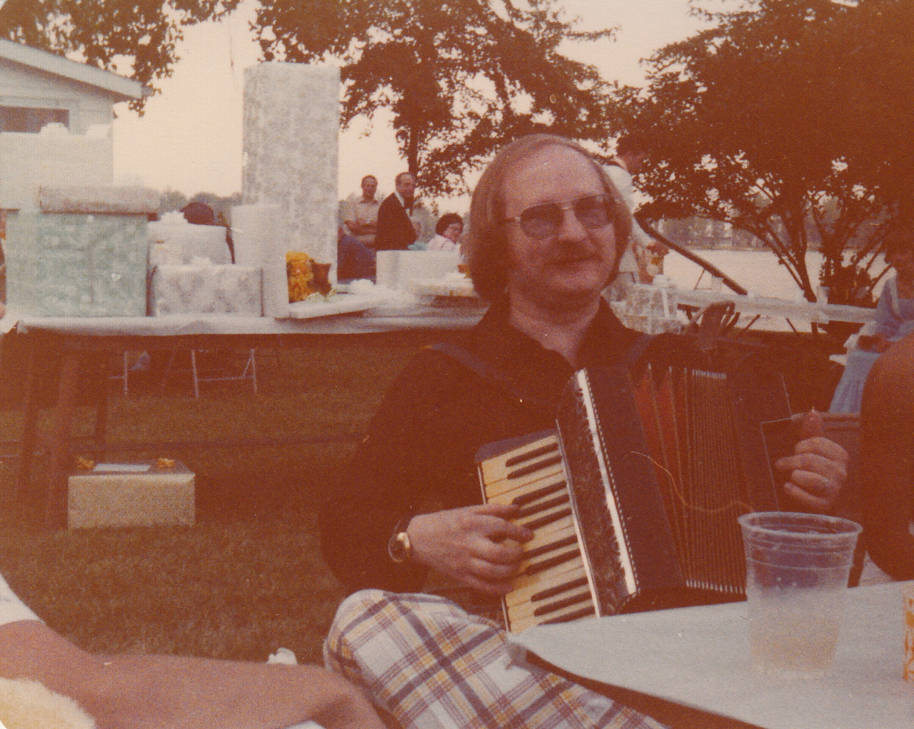 terry felus with accordion